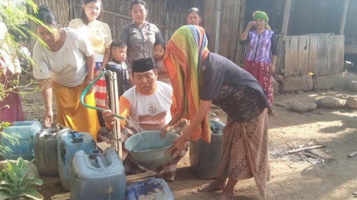 Belum Ada Bantuan, Warga Jatisari Situbondo Terpaksa Harus Beli Air Bersih