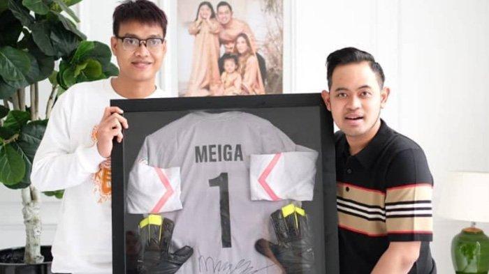 Obrolan Kurnia Meiga dan Presiden Arema FC, Gilang Pramana Sampaikan Berita Duka Sekaligus Gembira