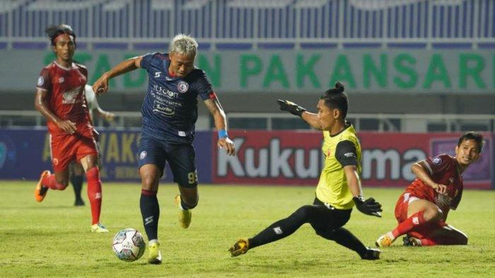 Kushedya Hari Yudo di pertandingan PSM Makassar Vs Arema FC di stadion Pakansari, Cibinong Bogor, Minggu (5/9/2021)