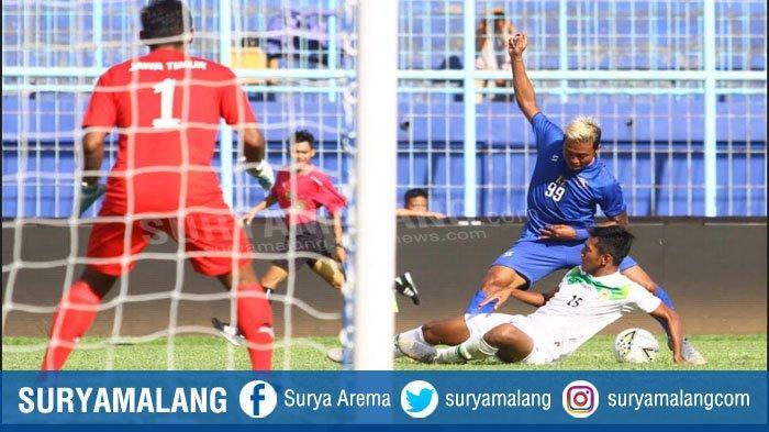 Nomor Punggung 1 di Arema FC Muncul Lagi, Ada Faktor Pesan Kurnia Meiga Pada Utam