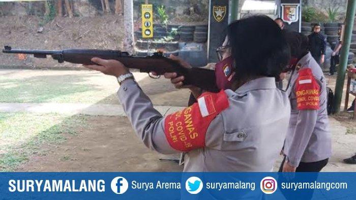 Anggota Polresta Malang Kota Latihan Menembak, Jaga Profesionalitas Dalam Bertugas