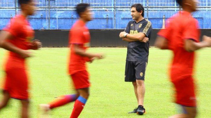 Coach Eduardo Almeida Sebut Arema FC Butuh Uji Coba Tiap Pekan