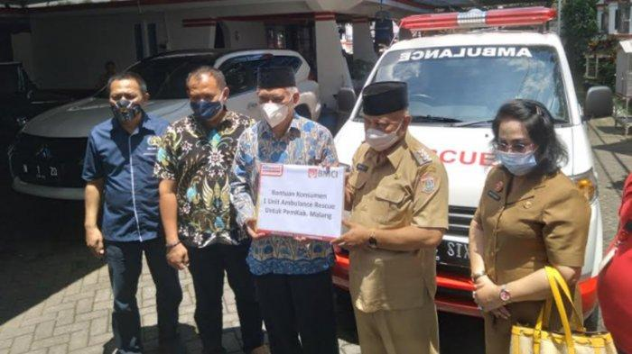Bersama Yayasan Bahrul Magfiroh dan Alfamart, PWI Malang Raya Berikan Layanan Ambulans Gratis