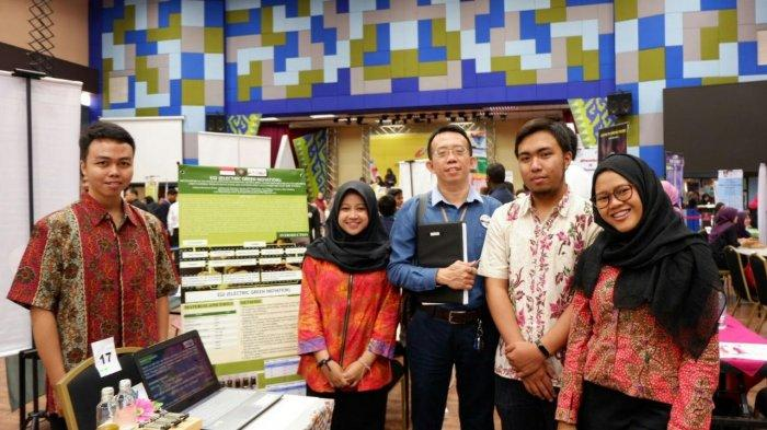 Lima Mahasiswa UB Malang Juara di Malaysia Berkat Ubah Gulma Danau Ranupani Jadi Energi Listrik
