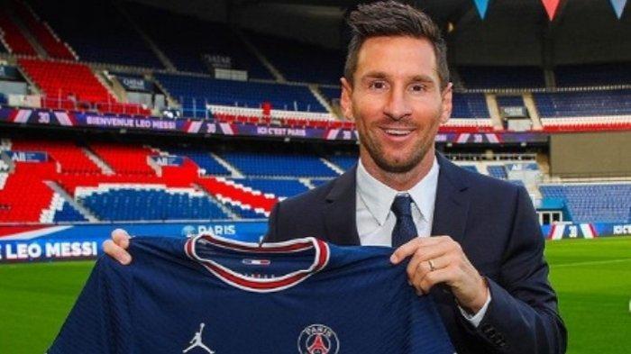 Lionel Messi resmi menjadi pemain Paris Saint-German (PSG).