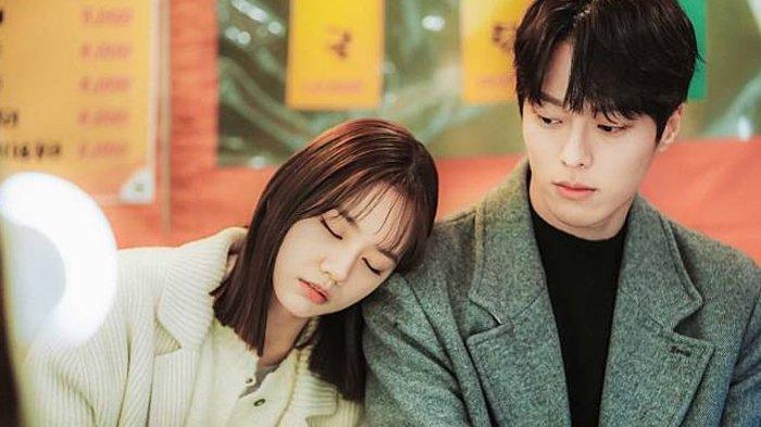 Lirik Lagu Next to You - Yang Da Il dan Terjemahan OST Drakor My Roommate Is A Gumiho