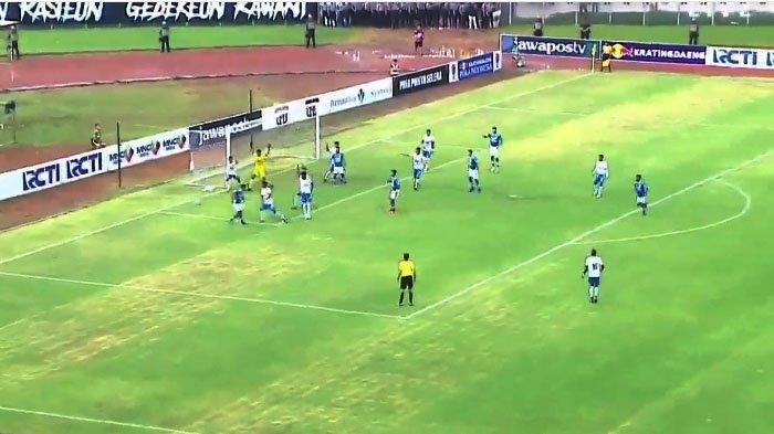 LIVE STREAMING Arema FC VS Persib Bandung, Laga Baru Dimulai, Ini Susunan Pemain