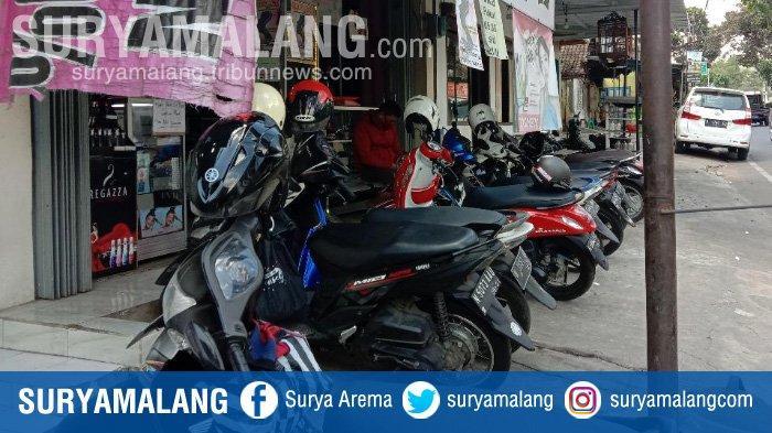 lokasi-pencurian-helm-di-sebuah-toko-kosmetik-di-jalan-muharto-kedungkandang-kota-malang.jpg