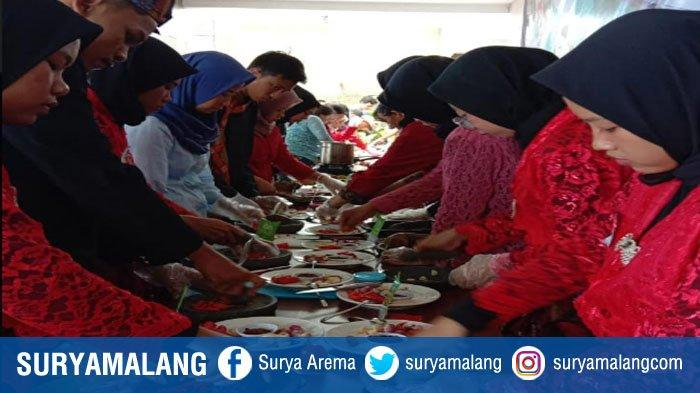 Siswa SMK Di Malang Raya Ikuti Lomba Ngoccek Atau Membuat Sambal Madura di Hotel