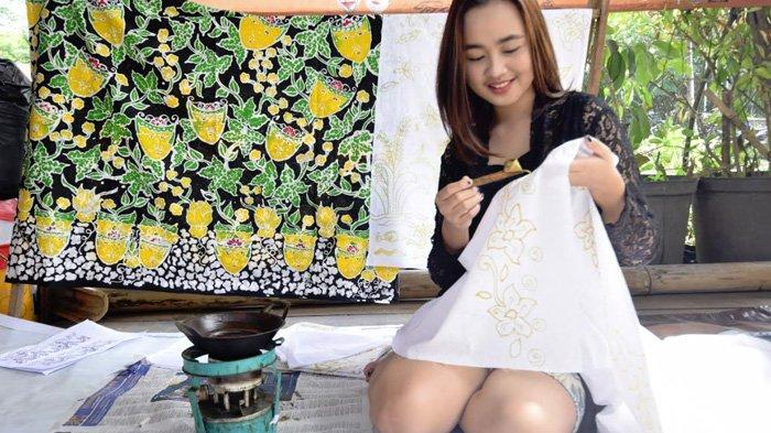 Cintai Nusantara, Mahasiswi Mungil Ini Belajar Batik di Kampung Budaya Poliwijen, Kota Malang