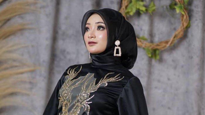 Dewi Sartika Aprilianty Rajin Berjemur untuk Jaga Imunitas Tubuh