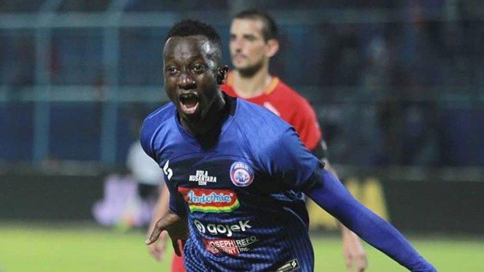 Arema FC Rindu Playmaker Asing Seperti Makan Konate dan Roman Chmelo, Tapi Justru Datangkan Kiper