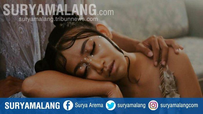 Mainkan Payet di Area Wajah, MUA Setiawan Janarko Kreasikan Makeup Look Fantasy