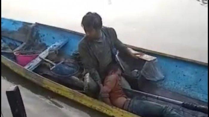 Ceburkan Diri ke Kali Lamong, Maling Motor Ini Nangis Saat Tertangkap Polisi di Gresik
