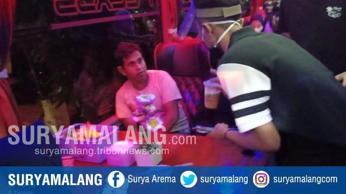 Tarif dan Rute Coffee on the Bus Kadung Sa'ateh, Nyeruput Kopi Sambil Menikmati Keindahan Pamekasan