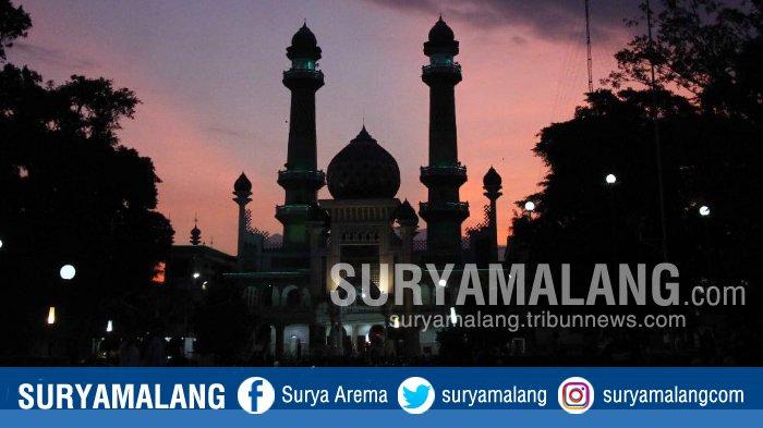 Jelang Pelaksanaan Salat Tarawih, Ini yang Dilakukan Oleh Masjid Agung Jami Kota Malang