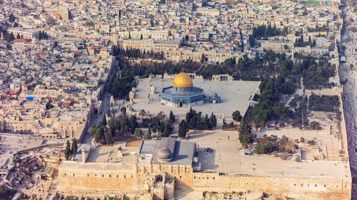 Komplek Masjid Al Aqsa pernah disinggahi Nabi Muhammad SAW dalam serangkaian peristiwa Isra Miraj