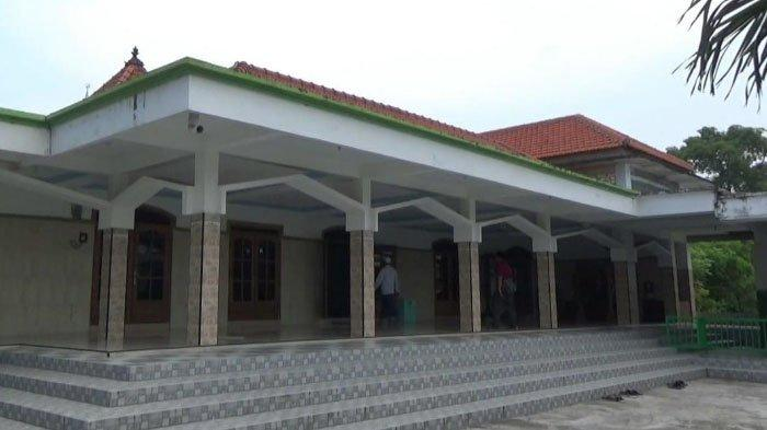 Daftar Peninggalan Sejarah di Masjid Pesucinan Gresik, Masjid Tertua di Pulau Jawa