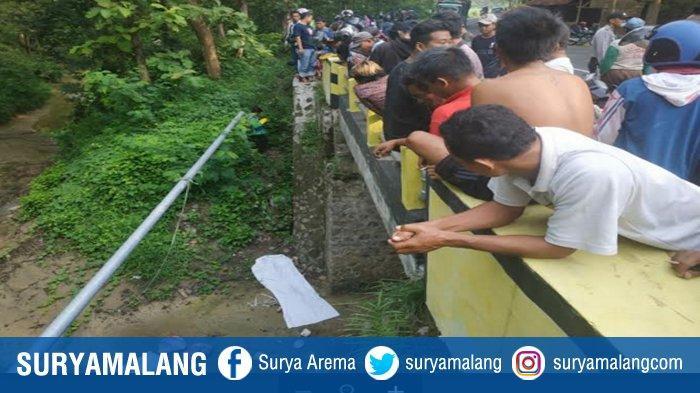 BREAKING NEWS : Mayat Bocah Laki-laki di Dasar Jembatan Sungai Hutan Jati Kemlagi Mojokerto