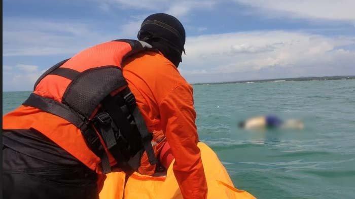 Ilustrasi - Seorang pria yang ditemukan terapung di tengah laut