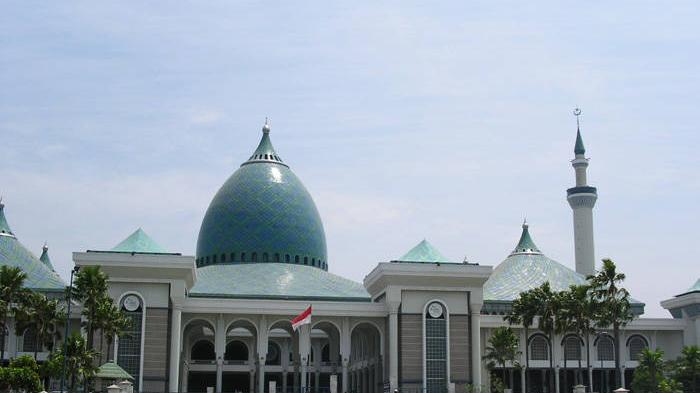 Gubernur Jatim Dijadwalkan Sholat Idul Fitri 2018 1 Syawal 1439 H di Masjid Al Akbar Surabaya