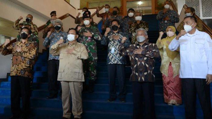 Menhan Prabowo Subianto Kunjungi ITS dan Unair, Singgung Teknologi Anak Bangsa