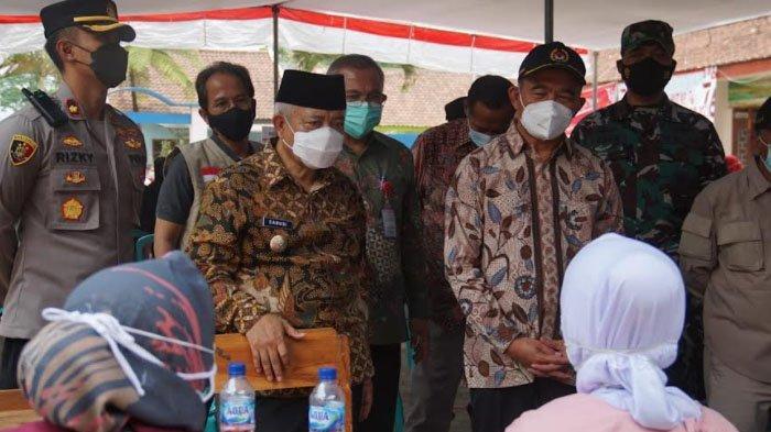 Menko PMK, Muhadjir Effendy Tinjau Vaksinasi Covid-19 di Kabupaten Malang