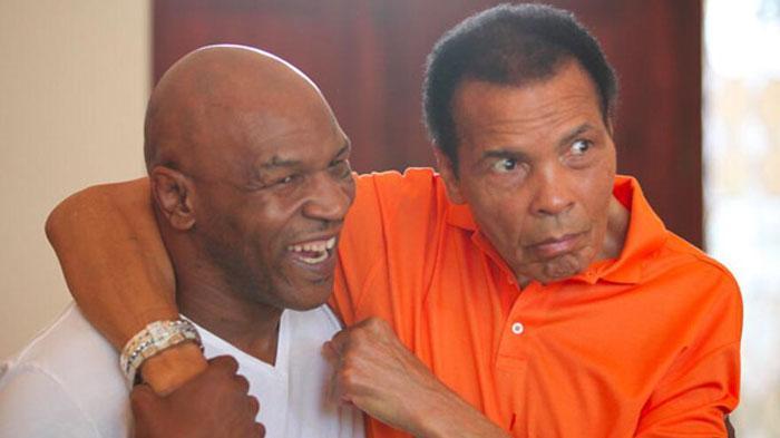 Sedihnya Mike Tyson Saat Mendengar Muhammad Ali Tutup Usia Surya Malang