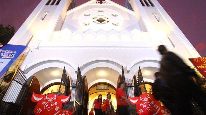 GALERI FOTO - Misa Tahun Baru Imlek di Gereja Katedral Ijen, Kota Malang