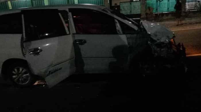 2 Orang Tewas & 4 Orang Terluka Berat dalam Kecelakaan Motor Vs Mobil di Jalan Raya Tuban-Bojonegoro