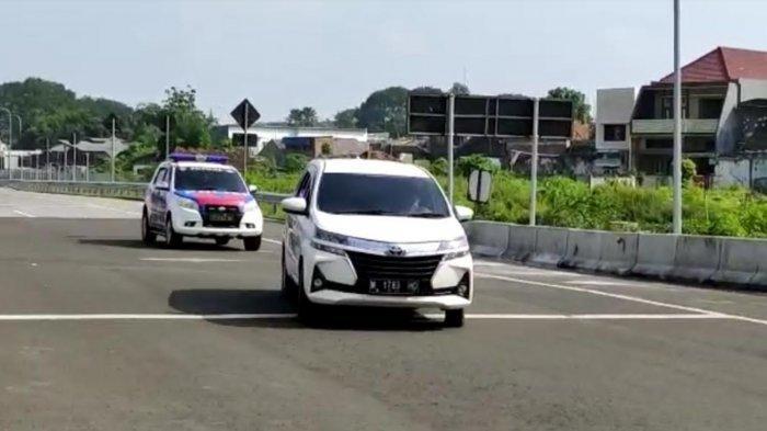 Mobil Plat M Nekat Terobos Pos Penyekatan Larangan Mudik di Pintu Tol Malang, Begini Endingnya