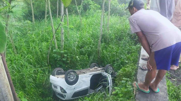 Kronologi Mobil Sedan Masuk Jurang Sedalam 5 Meter di Lumajang, Hilang Kendali di Tikungan
