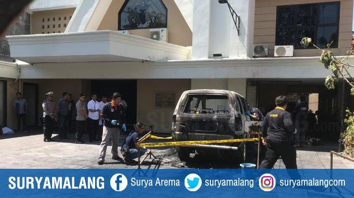 Mobil Terbakar di Halaman Gereja GKKA di Surabaya, Kabar Ada Ledakan Sebelum Terbakar Dibantah