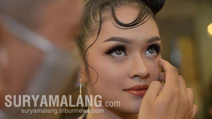 MUA Surabaya, Yohanes Soelarso Bagikan 3 Kunci Make Up untuk Milenial