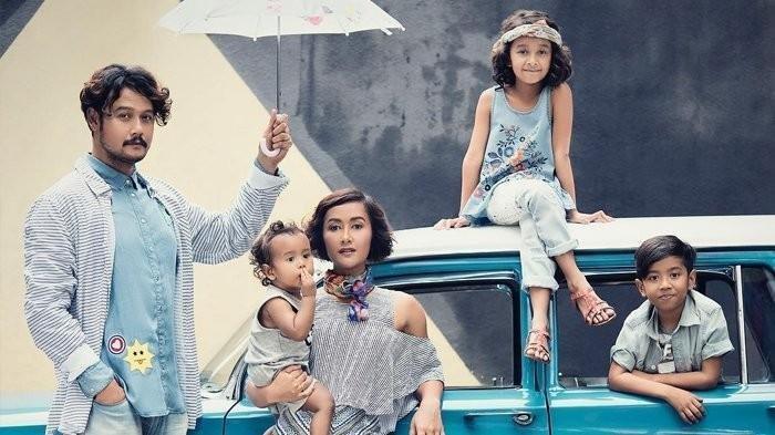 Widi Mulia Bagikan Momen Haru Video Call Dwi Sasono dan Sang Anak, Begini Reaksi Antusias Ketiganya