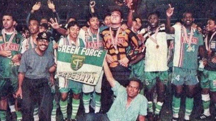 Momen Persebaya Juara Liga Indonesia 23 Tahun Silam, Euforia sampai Lupa Tukar Jersey dengan Idola