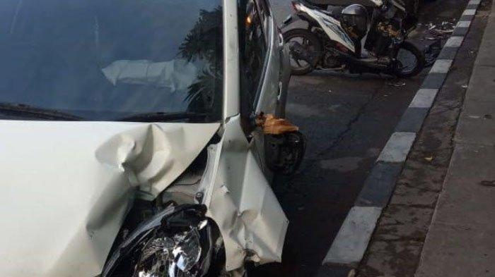 Kecelakaan Motor Beat Vs Mobil Brio di Jalan Manyar, Huda Harus Dirawat di RSUD Ibnu Sina Gresik