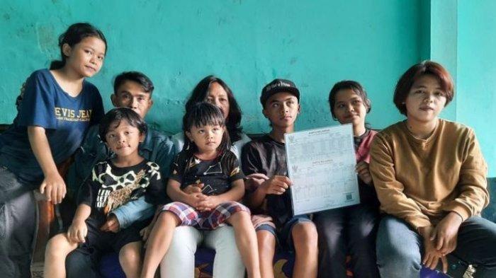 Viral di Tiktok Pasutri Kota Malang Punya 16 Anak, Mulyono & Partina Nikah saat Usia 12 dan 11 Tahun