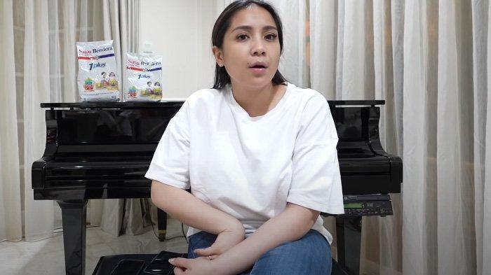 Nagita Slavina artis dan pemain sinetron suami aktor Raffi Ahmad