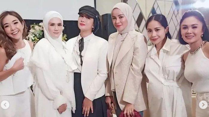 Pertemuan Nagita Slavina & Yuni Shara di Acara Ashanty Disorot, Gigi Elegan Sapa Mantan Raffi Ahmad