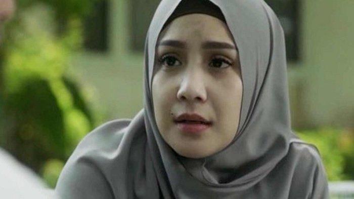 Nagita Slavina Tampil Memukau Pakai Hijab Bareng Adelia Pasha, Istri Raffi Ahmad Hijrah?