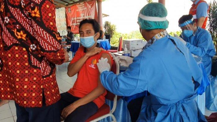 Napi Lapas Surabaya Jalani Vaksinasi Covid-19