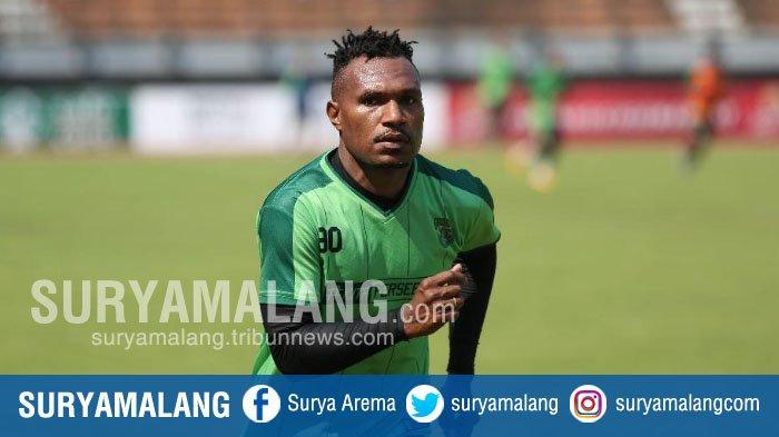 Bursa Transfer Liga 1 2019 - Nelson Alom Resmi Perpanjang Kontrak di Persebaya Surabaya