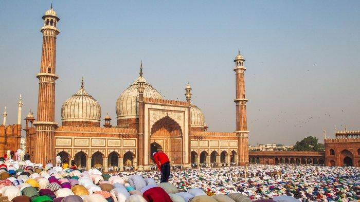 Niat Sholat Idul Fitri Sebagai Imam dan Makmum untuk di Masjid & Rumah, Lengkap Bacaan dan Tata Cara