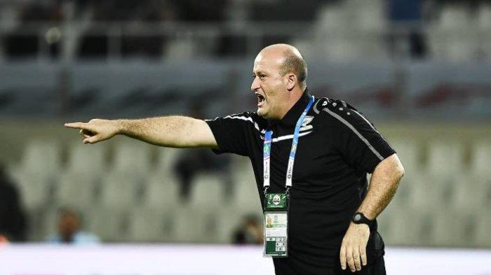 Posisi Eduardo Almeida Terancam, Arema FC Kini Dikaitkan dengan Mantan Pelatih Timnas Palestina