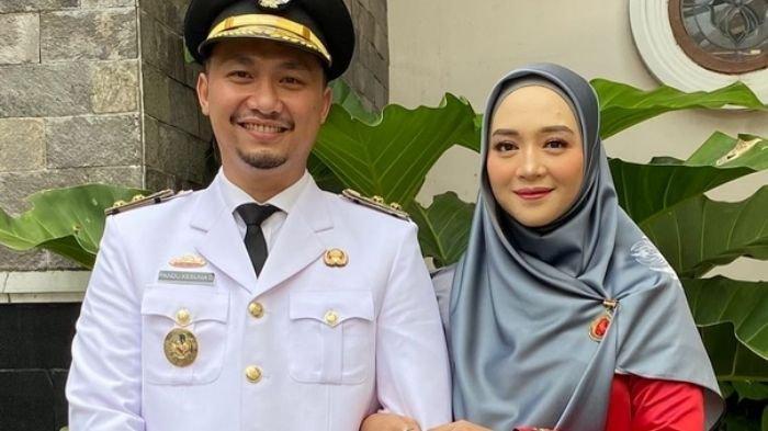 Nuri Maulida dan Pandu Kesuma Dewangsa di hari pelantikan Bupati dan Wakil Bupati Lampung Selatan