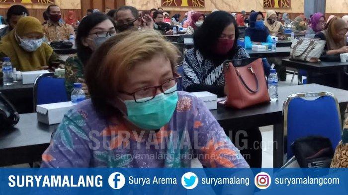 Tugas Baru Camat di Kabupaten Malang dari Bupati Sanusi, Bawa 100 Masker di Mobil Lalu Dibagikan