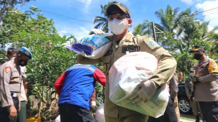 Pemkab Trenggalek Salurkan 418 Paket Sembako ke Keluarga Isolasi Mandiri Selama PPKM Darurat