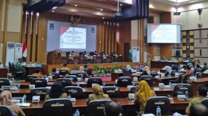 Rapat Paripurna Pandangan Umum Fraksi, DPRD Kabupaten Malang Fokus Pulihkan Kesejahteraan Rakyat