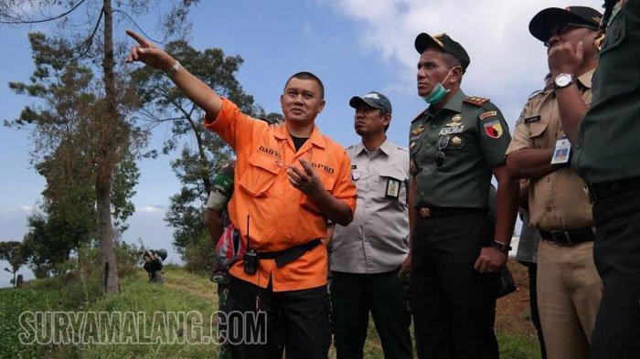 10 Orang Dikerahkan Menuju Titik Kebakaran di Gunung Arjuno, Besok Pemadaman Pakai Helikopter